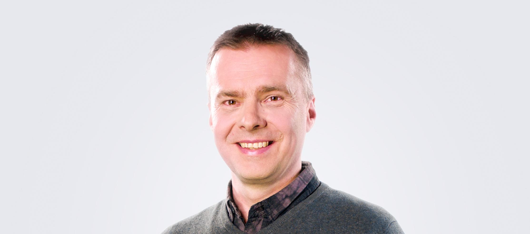 Linssileikkaus auttoi Markku Alkiota pääsemään eroon silmälaseista.