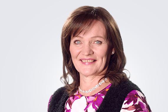 Pirjo-Liisa Nurmelle tehtiin linssileikkaus Medilaserissa.