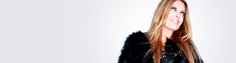 Laulaja Eini tarvitsi moniteholasit 45-vuotiaana. Sen jälkeen hän kävi linssileikkauksessa Medilaserissa.