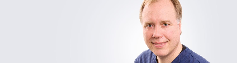 Silmätautien erikoislääkäri, silmäkirurgian erityispätevyyden omaava Hannu Penttilä toimii Lahden Medilaserissa.