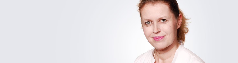 Silmätautien erikoislääkäri, silmäkirurgian erityispätevyyden omaava Minna Virtanen työskentelee Espoon Medilaserissa.